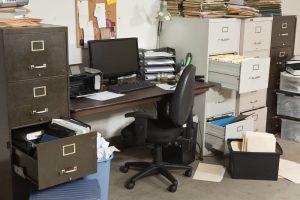 מה לעשות שאין מקום בבית או במשרד צילום : depositphotos