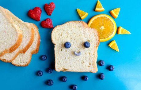 לחם חשוף ופירות באובססיה