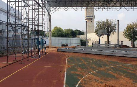 האם קירוי מגרשי הספורט בכפר סבא בסכנת קריסה?